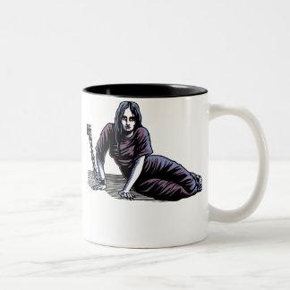 Luna Chained Two-Tone Coffee Mug