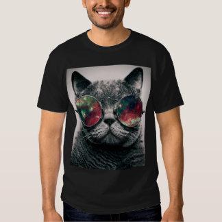 lunettes de soleil de port de chat tee shirt