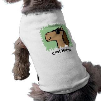 Lunettes de soleil de port de cheval de cool de t-shirts pour chien