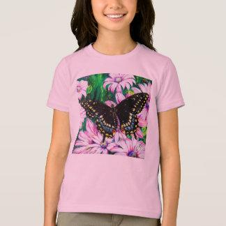 Machaon sur les fleurs roses t-shirt