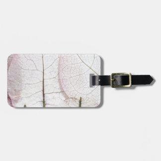 macro leaves background luggage tag