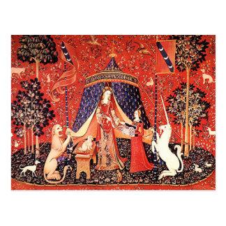 Madame et la licorne carte postale