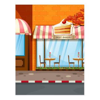 Magasin de boulangerie avec des tables et des cartes postales