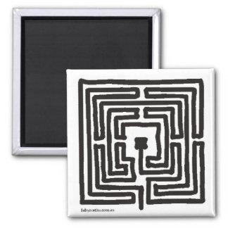 Magnet medieval labyrinth pen square small