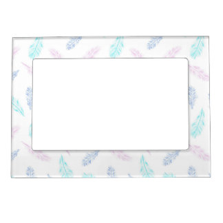 Magnetic frame with pencil feathers