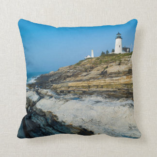 Maine, Pemaquid Point, Pemaquid Point Lighthouse Throw Pillow