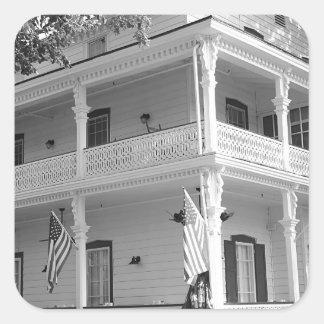 Maison victorienne dans noir et le blanc sticker carré
