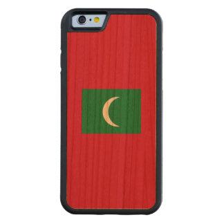 Maldives Flag Carved Cherry iPhone 6 Bumper Case