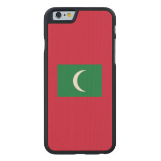 Maldives Flag Carved® Maple iPhone 6 Case