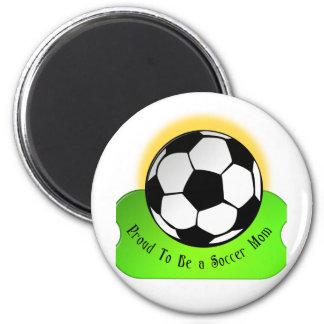 Maman fière du football magnet rond 8 cm