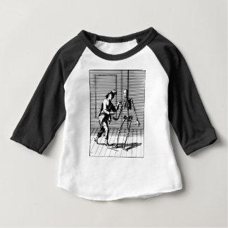 Man Proposing to a Skeleton Baby T-Shirt