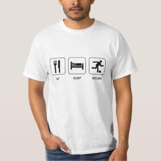 Mangez le T-shirt de valeur du football de sommeil