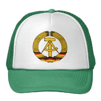 Manteau de l Allemagne de l Est des bras du joint Casquettes