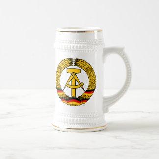 Manteau de l Allemagne de l Est des bras du joint Mug
