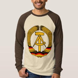 Manteau de l'Allemagne de l'Est des bras/du joint T Shirts