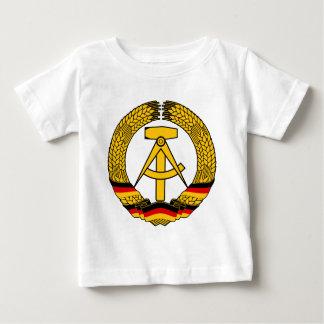 Manteau de l'Allemagne de l'Est des bras/du joint T Shirt