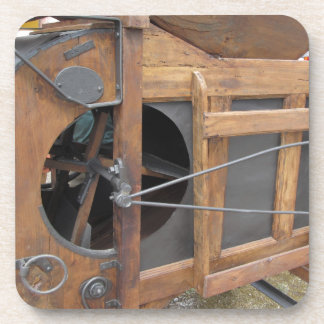Manual machine used to shell the corn beverage coasters