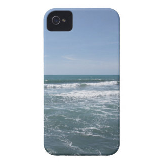 Many people surfing on surfboards in the sea iPhone 4 case