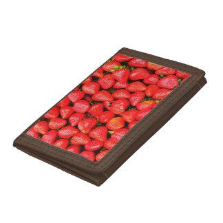 Many Strawberries! Tri-fold Wallet
