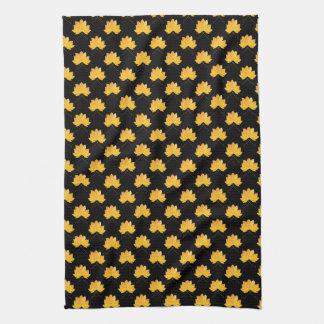 Maple leaves pattern kitchen towel