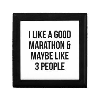 Marathon & 3 People Gift Box
