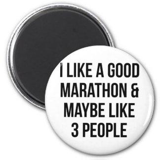 Marathon & 3 People Magnet