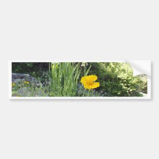 Marguerite jaune et iris blancs autocollant de voiture