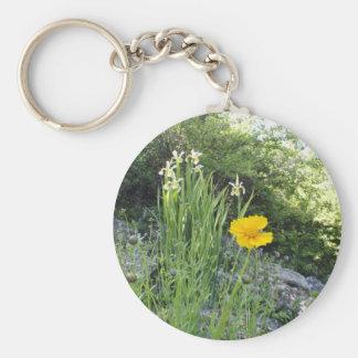 Marguerite jaune et iris blancs porte-clef