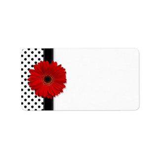Marguerite rouge de Gerbera épousant les étiquette Étiquettes D'adresse