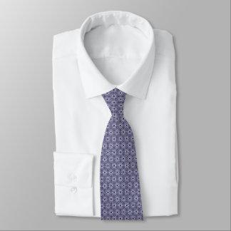 Marine élégante et cravate élégante unique