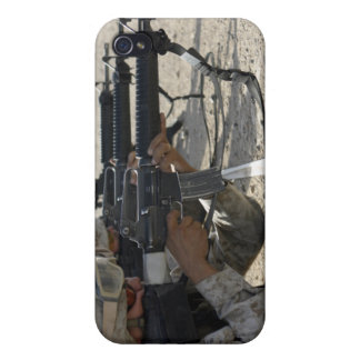 Marine fires their M16A2 service rifles iPhone 4/4S Cover