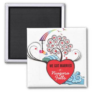 Married at Niagara Falls : Magnet