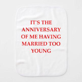MARRIED BURP CLOTH