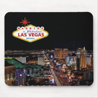 Married In Fabulous Las Vegas Mousepad