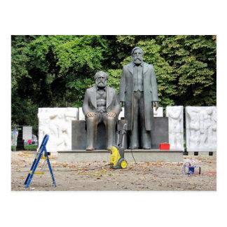 Marx-Engels Denkmal Berlin Postcard