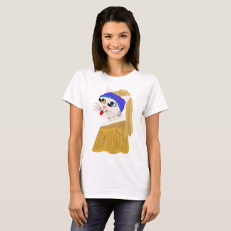 Me ow with a Pearl Earring / Classic Series T-Shirt