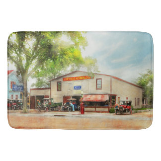 Mechanic - All cars finely tuned 1920 Bath Mat