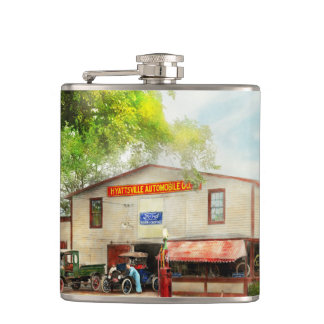 Mechanic - All cars finely tuned 1920 Flasks