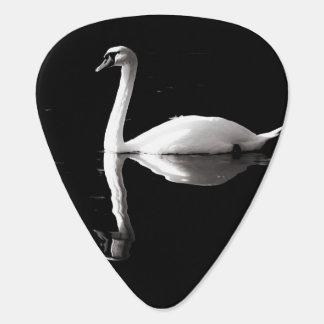 Médiator guitar black and white swan guitar pick