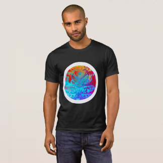 Meditating Entity (red-gold-blue) T-Shirt