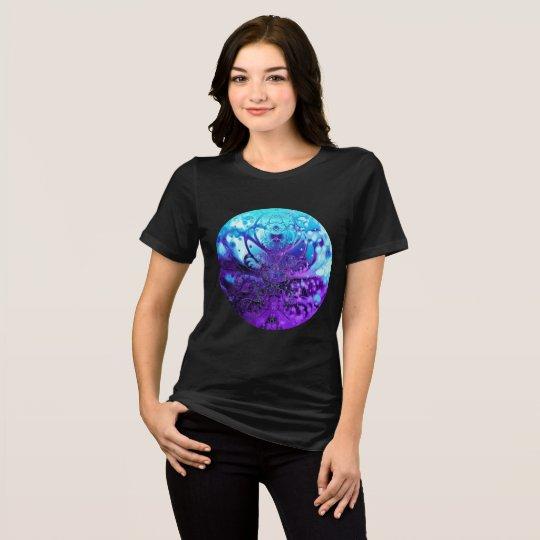 Meditating Entity (turquoise turquoise-violet) T-Shirt