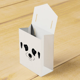 Meerkat face silhouette favor box