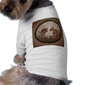 Meilleurs amis, kangourous mignons avec des t-shirt pour chien