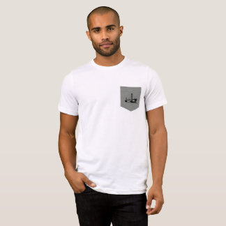 Men's basic short sleeve t-shirt with front pocket