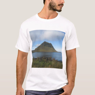 Men's Basic T-Shirt With Iceland Picture