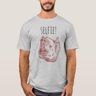 Men's Selfie T-Shirt: Smiling Tapir T-Shirt