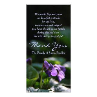 Merci commémoratif de sympathie de violettes modèle pour photocarte