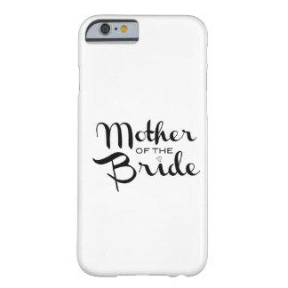 Mère de noir de jeune mariée sur le blanc coque iPhone 6 barely there