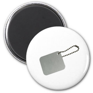 Metal tag with chain magnet
