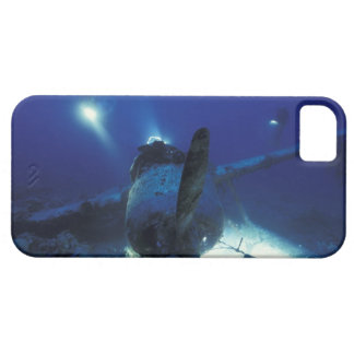 Micronesia, Palau, World Heritage Site. Divers iPhone 5 Cover